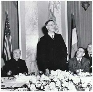 Eamon de Valera funda Fianna Fail