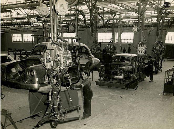Nace la fábrica española SEAT